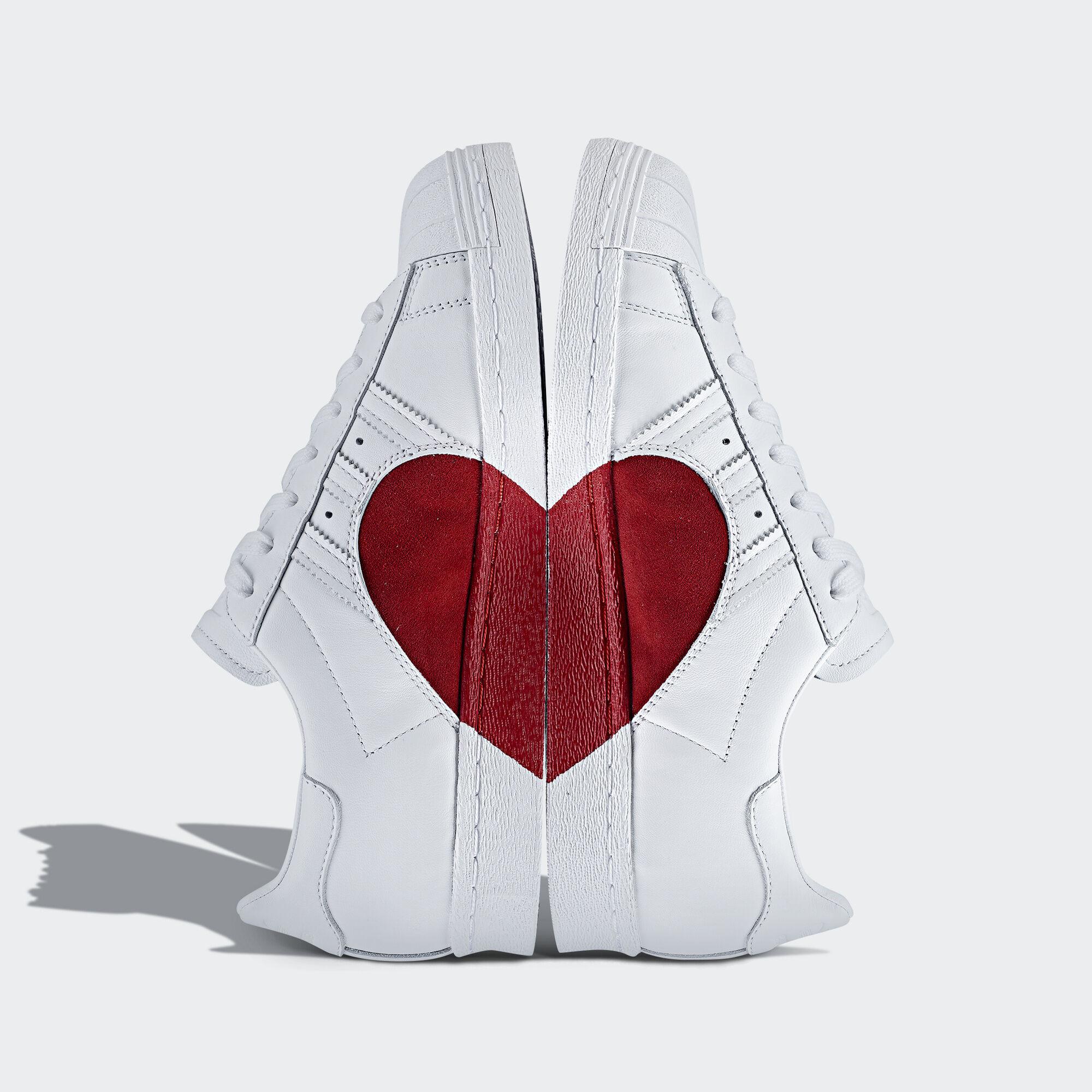 adidas - Sapatos Superstar 80s Half Heart Ftwr White/Ftwr White/Scarlet CQ3009